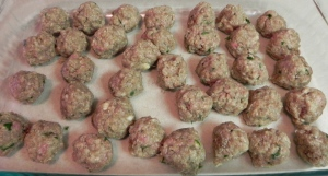 Spaghetti and Meatballs | thepajamachef.com #classic #recipe
