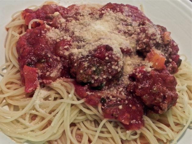 Spaghetti and Meatballs | thepajamachef.com #classic #recipe