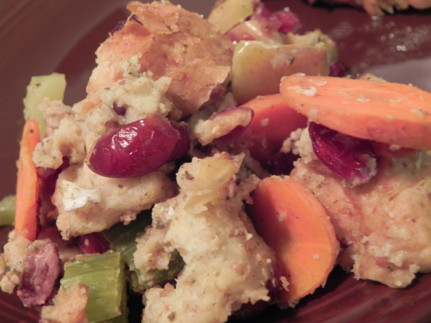 CranApple Stuffing - an easy, healthy stuffing recipe bursting with apples, cranberries, and carrots!