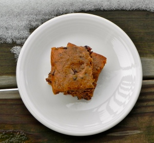 monkey bars - banana bars spiced with cinnamon & with a bit of chocolate because... CHOCOLATE! via thepajamachef.com