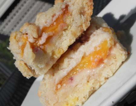Peach Shortbread Bars - simple, fruity, satisfying | thepajamachef.com