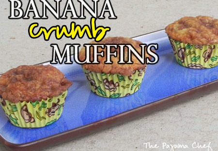 Banana Crumb Muffins - rich banana muffins with an awesome cinnamon streusel topping // thepajamachef.com