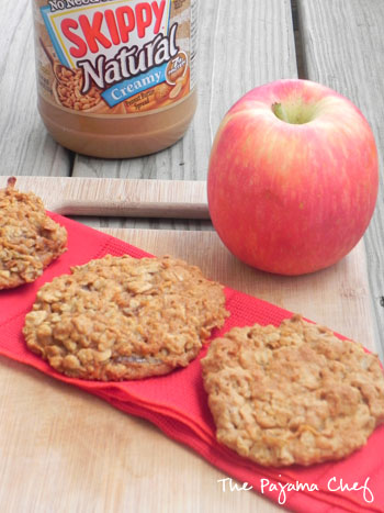 Peanut Butter Apple Oatmeal Cookies | thepajamachef.com