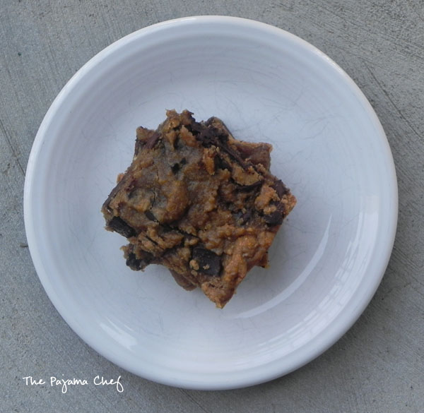 Dark Chocolate Chunk Peanut Butter Blondies - Gluten Free, Vegan Option | thepajamachef