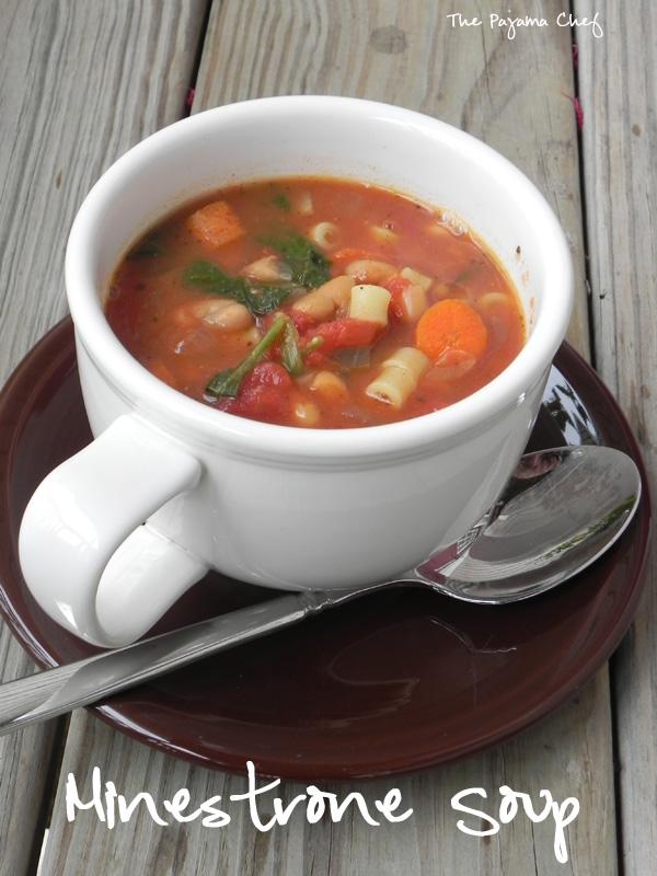 Crockpot Minestrone Soup #winter #recipes #easy #soup | thepajamachef.com