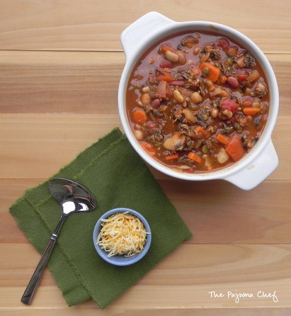 Vegetarian Pumpkin Chili | thepajamachef.com #10DaysofTailgate