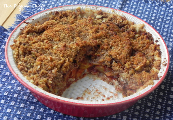 Crumb Top Apple Pie | thepajamachef.com #TripleSBites