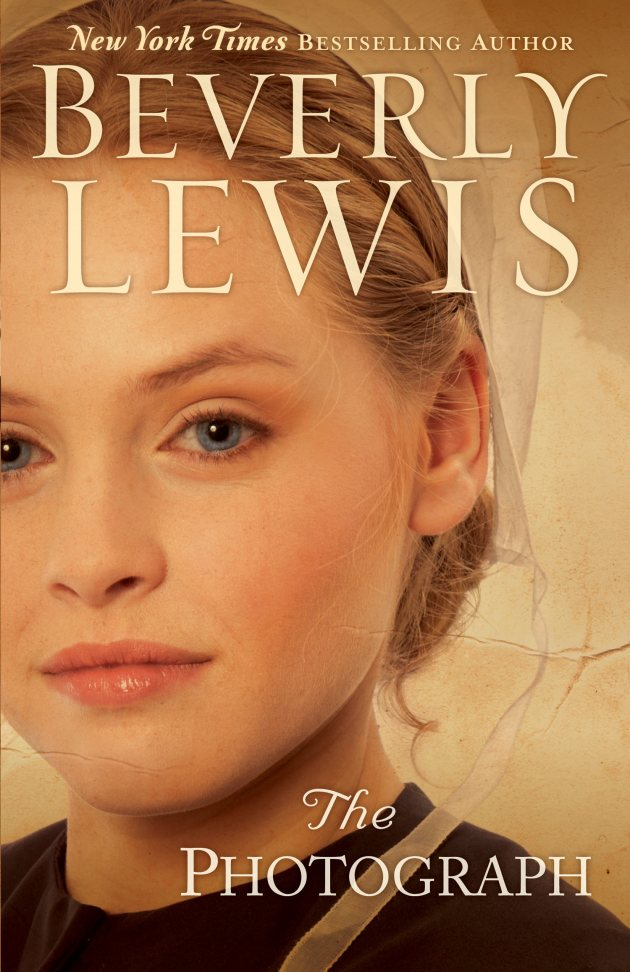 Read on for a #review about the #book The Photograph by Beverly Lewis!