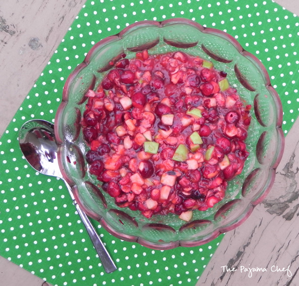 Apple Cranberry Relish Salad... A fun, flavorful, refreshing salad combining seasonal favorites: cranberries, apples, and jello! Mmm!