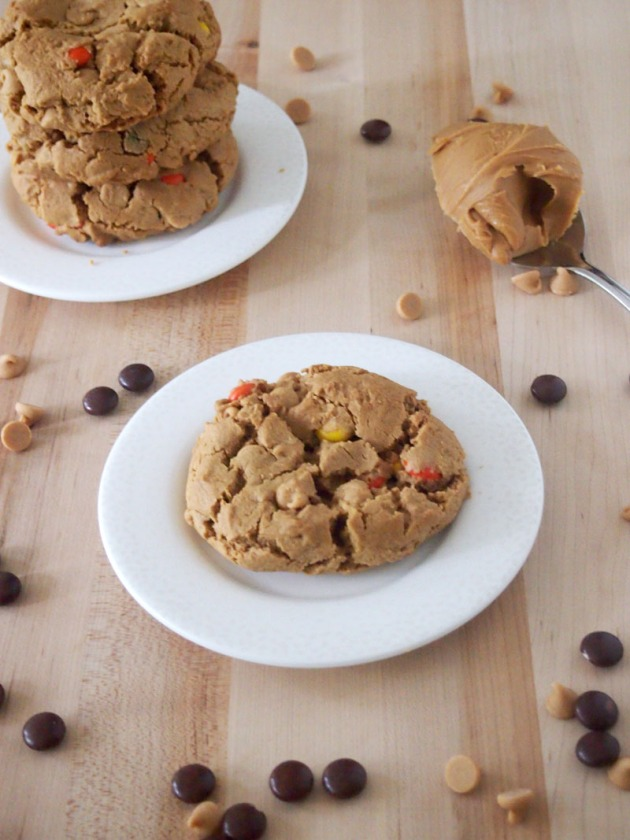 Flourless Triple Peanut Butter Cookies - Pies and Plots