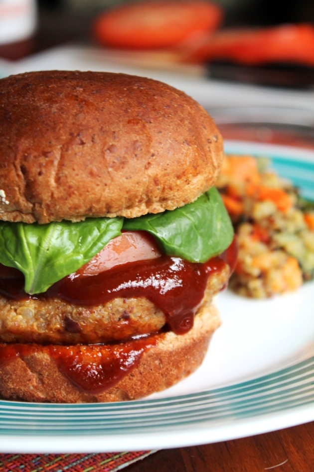 Smoky Chipotle Quinoa Burgers - The Spiffy Cookie