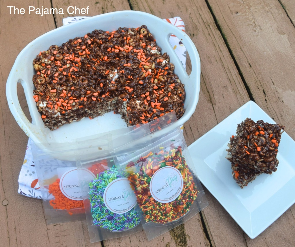 Chocolate. Sprinkles. Pumpkin. Marshmallows. What's not to love?? These yummy cereal treats are made with Sprinkle Pop sprinkles for #Choctoberfest and are oh-so-fun!